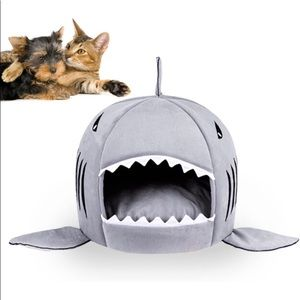Shark bed for small pets